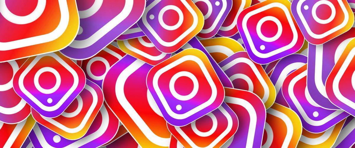 Pile of Instagram logos